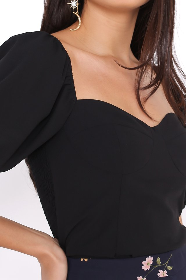 *BACKORDER* AMELIA SWEETHEART NECKLINE TOP (BLACK)