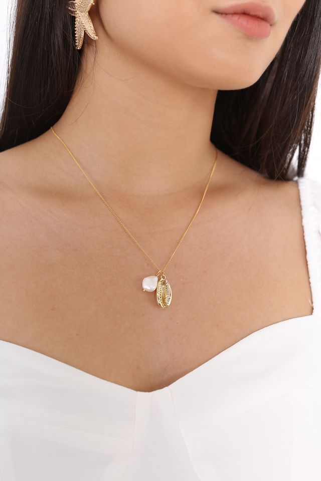 SANDY SHELL NECKLACE (GOLD)