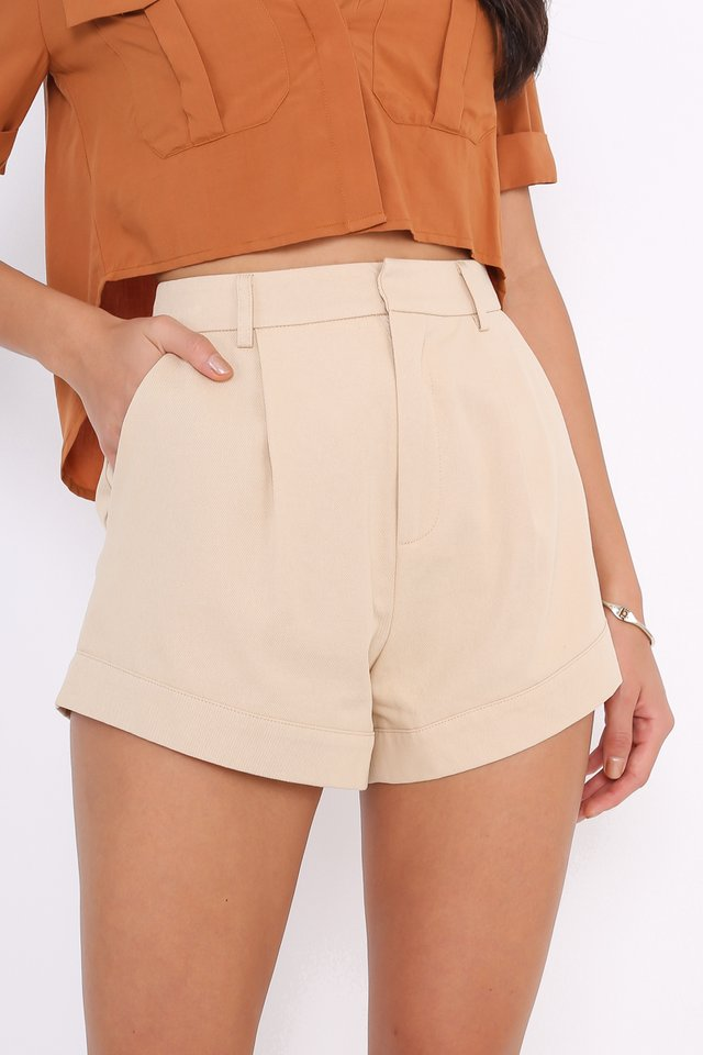 *BACKORDER* CHARLIE CURVED HEM SHORTS (BEIGE)