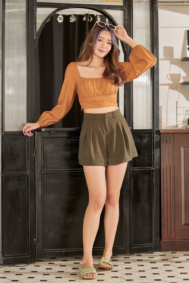 RENICE RUCHED TOP (HONEY BROWN)