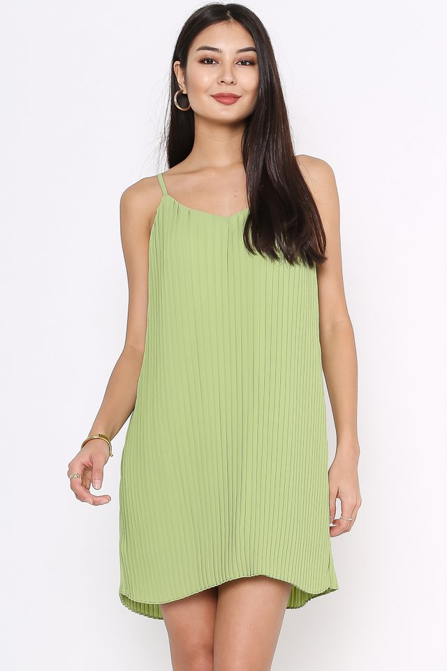 PENNY PLEATED DRESS (PEAR GREEN)