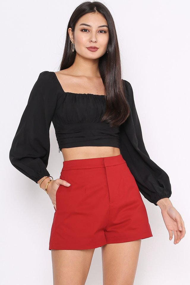 RENICE RUCHED TOP (BLACK)