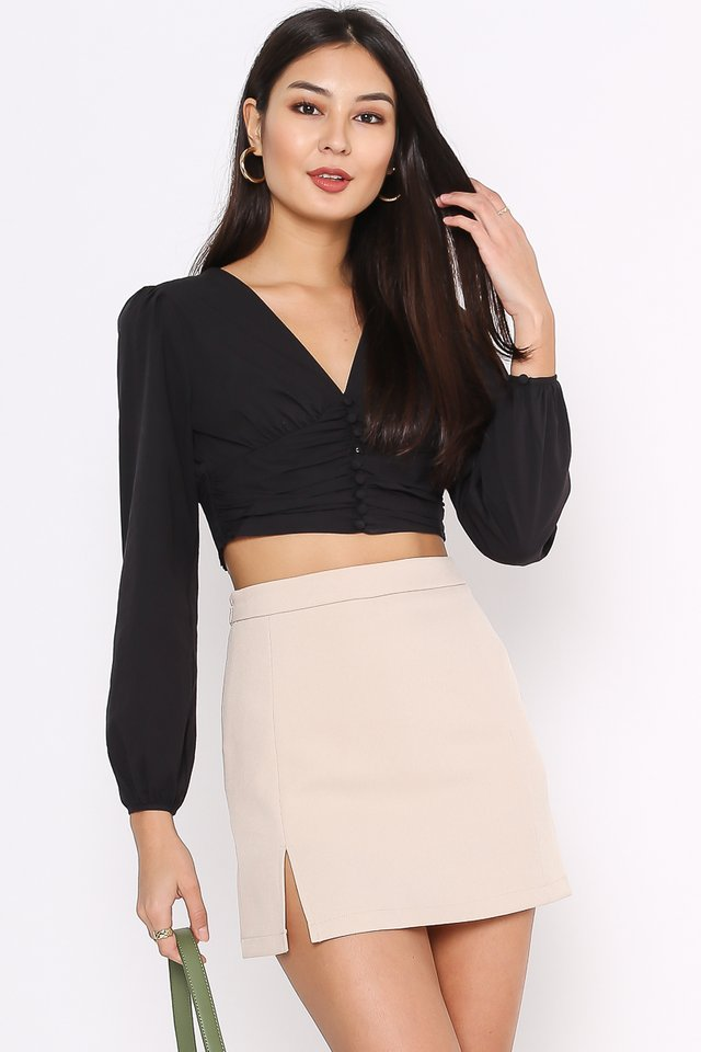 BETTY BUTTON FRONT TOP (BLACK)