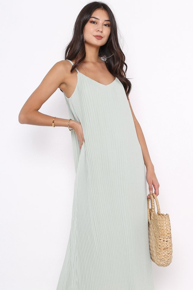 PETRINA PLEATED DRESS (MINT)