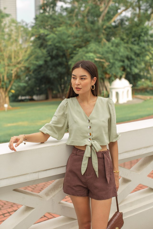 BELLA BUTTON DOWN TOP (GREEN TEA)
